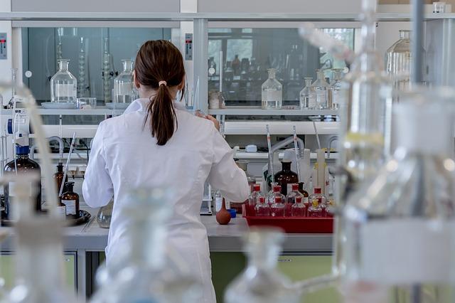 Nicht nur für die Arbeit im Labor relevant: Sicherheitsdatenblätter
